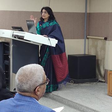 Award for Best IVF Doctor in Delhi two